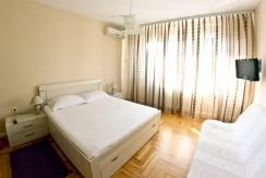 Politika – One Bedroom Apartment