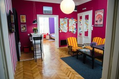 Bridge – 3 Bedroom Apt – Ideal for big group of friends – Up to 10 people