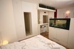 Aquarium – Lux Studio – Ideal for Couples or Solo Travelers – From 49€